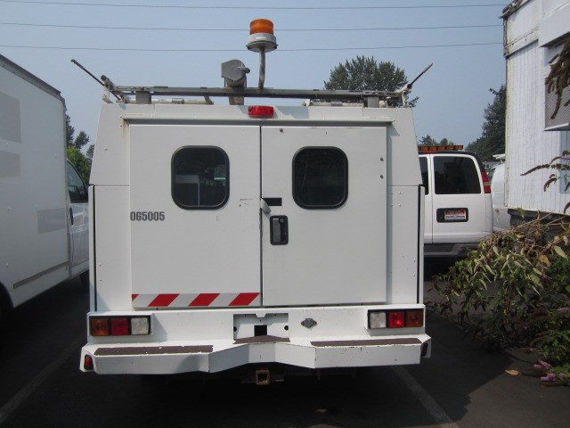 2006 Chevrolet 2500 4x4 8ft Covered Service Body