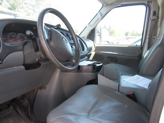 2008 Ford E350 10ft Covered Service Body